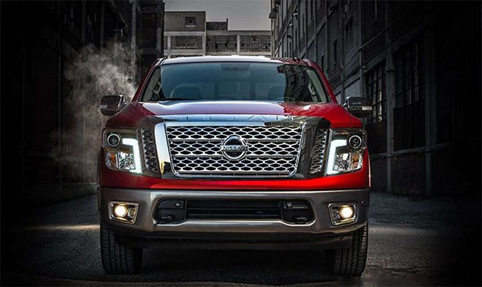 The new 2017 Nissan Titan reviews price The new Titan starts with