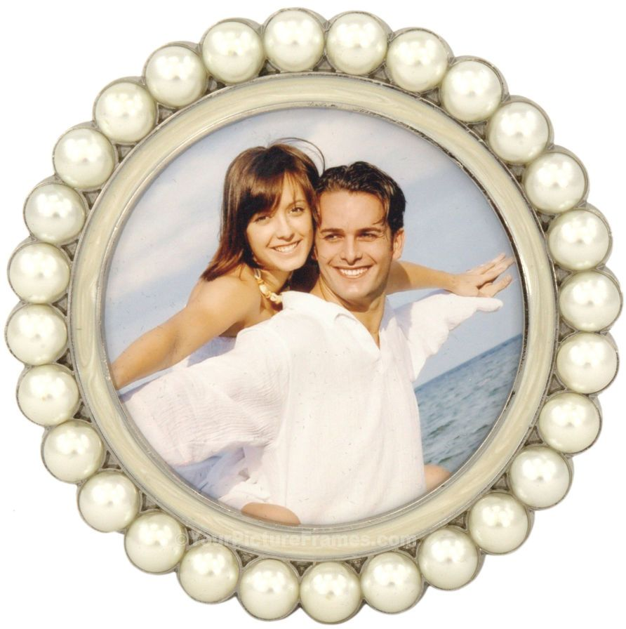 tahitian pearl round picture frame
