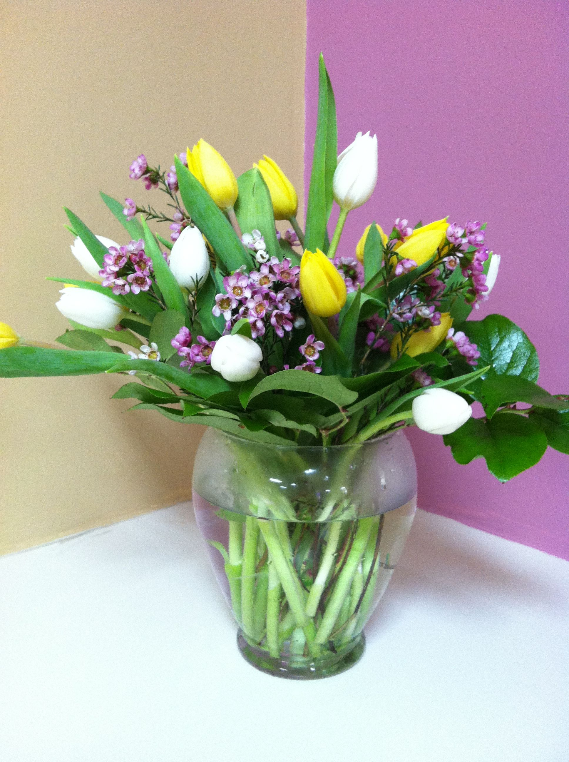 ideas how arrangement spring a vase step in tulips by tulip arranged arrangements make to decor
