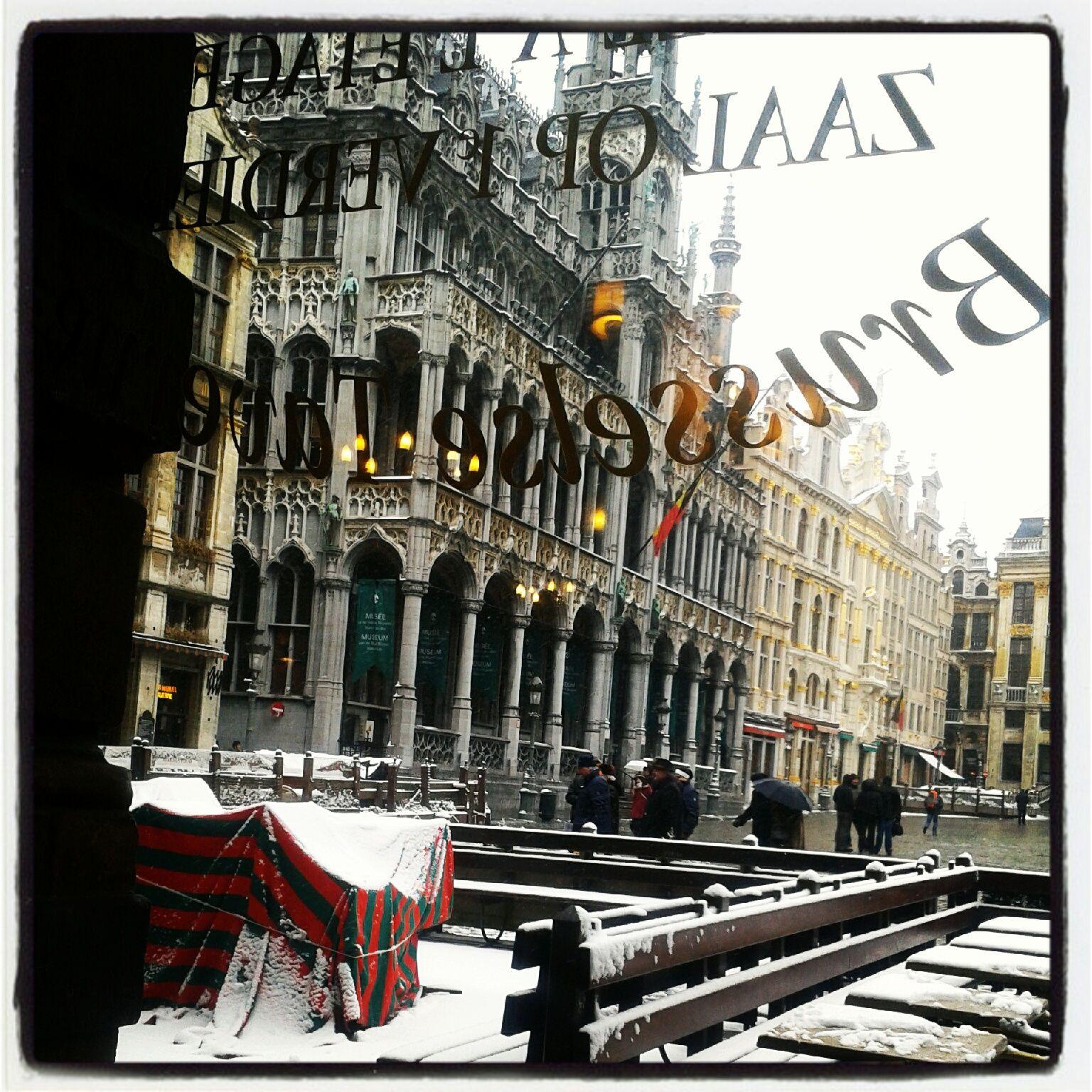 Café en la Grand Place