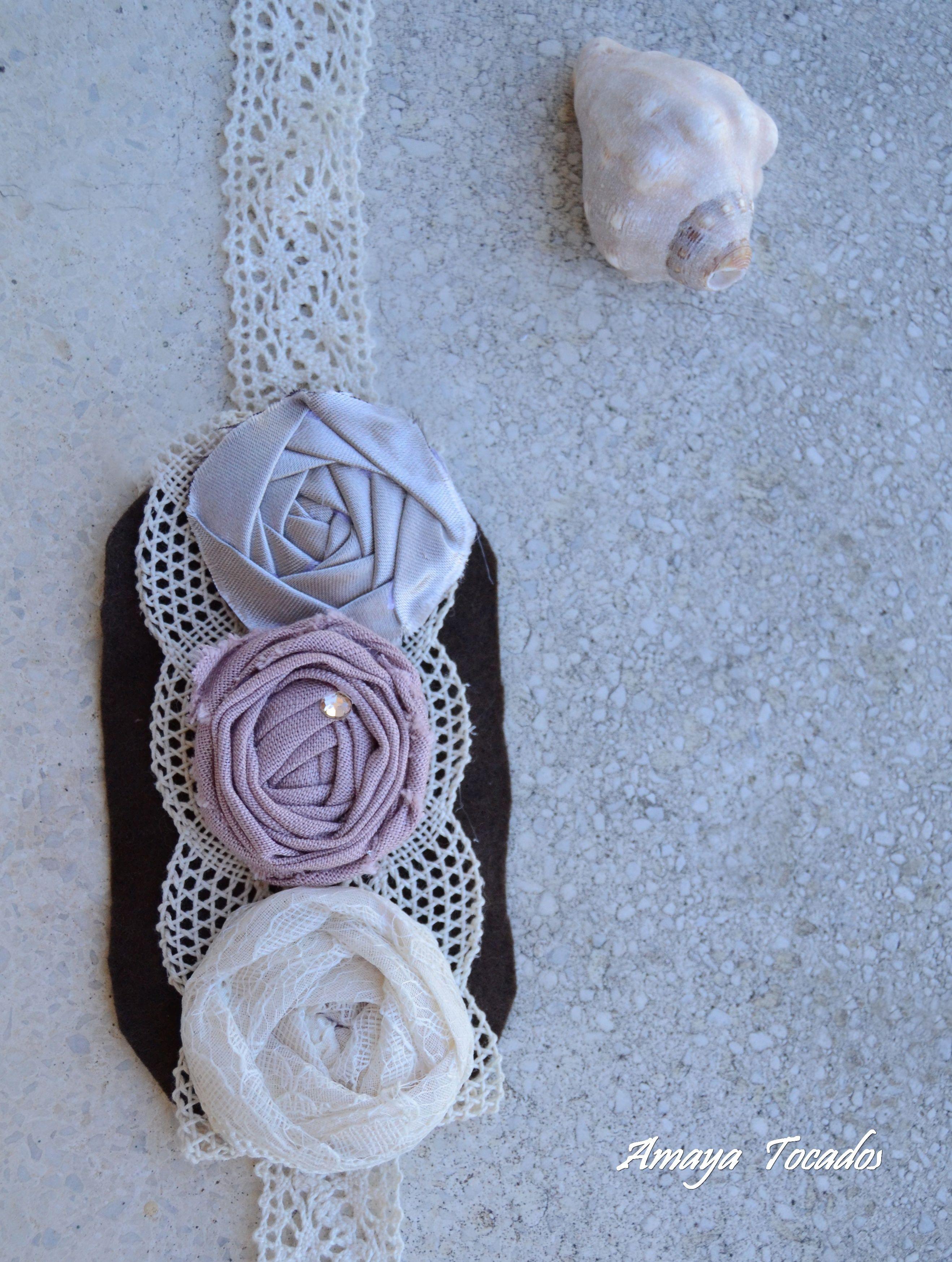 Diadema de encaje con aplicacion de flores en lino y seda - Diademas de encaje ...