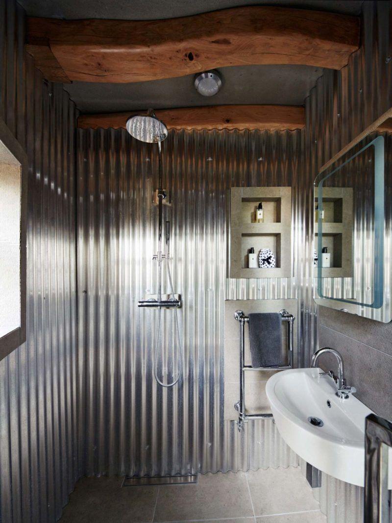 Une grange classée transformée en loft   Salles de bains ...