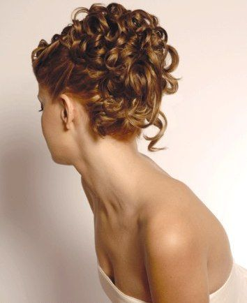 How To Create A Romantic Loose Curly Hair Updo