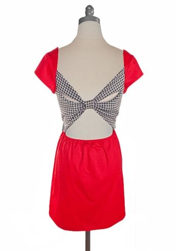 I just bought this! AHHH I can't wait until it gets here. It's my favorite iteration out of the red and houndstooth Judith March dresses.