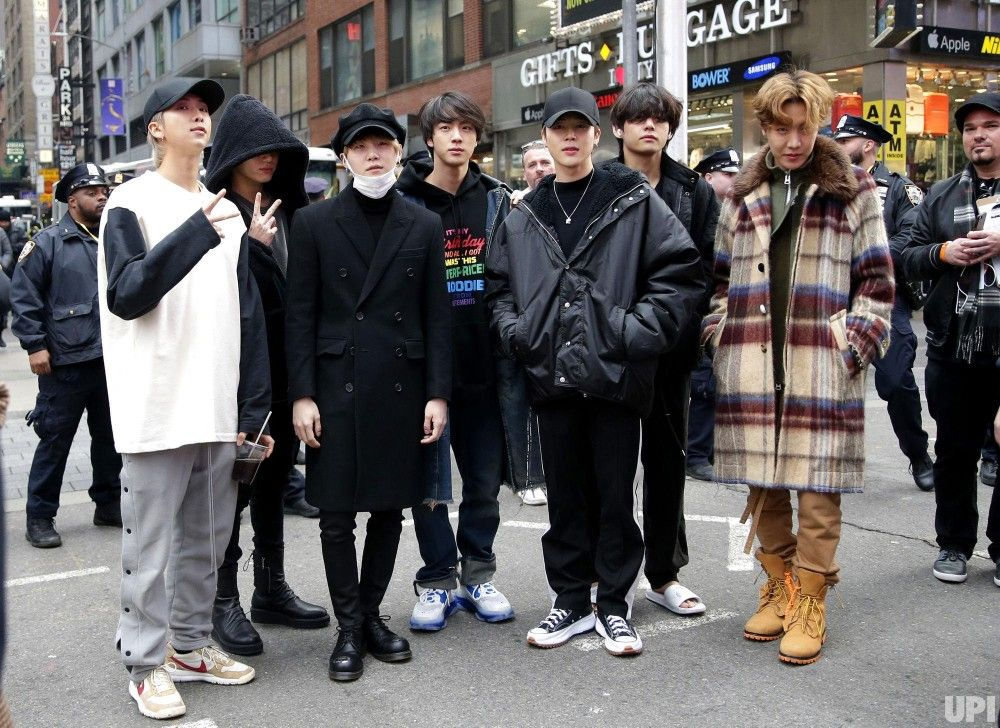 BTS Happy New Year Times Square in 2020 Bangtan, Bts