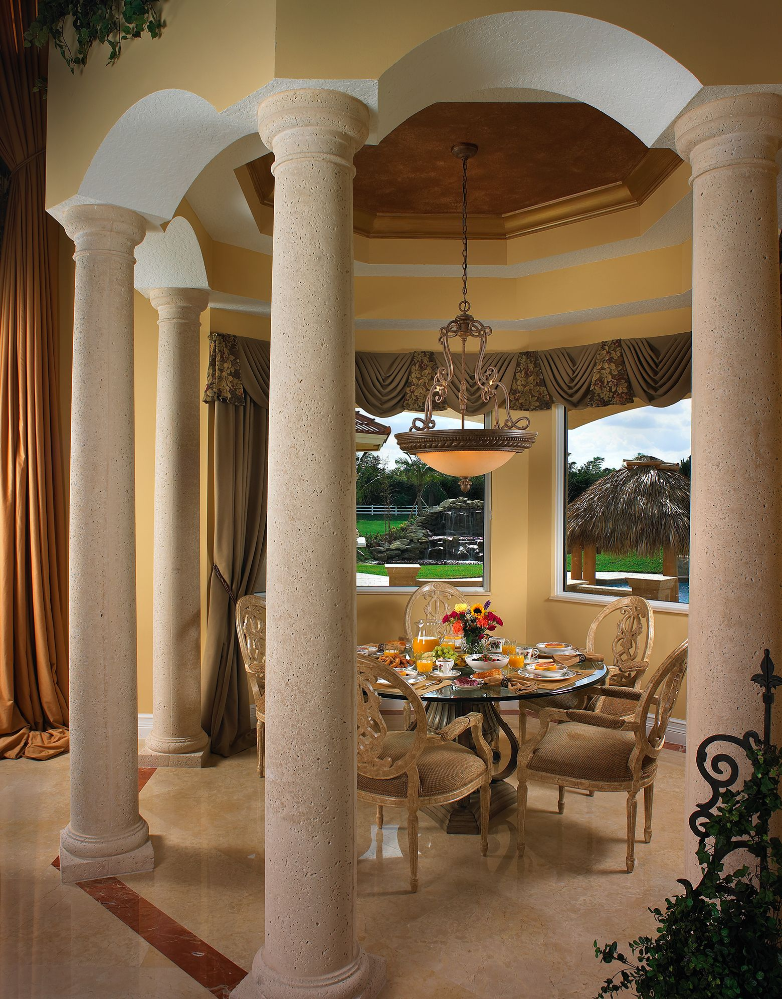 Cozy breakfast room overlooking beautiful landscape ...
