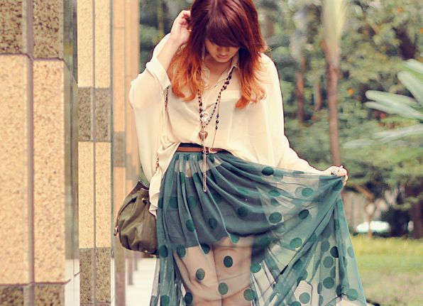 Tie up a see-through fabric with a belt (so it would look like a skirt) + put a simple skirt under it. So easy!     Inspired by Anastasia Siantar, blogger.
