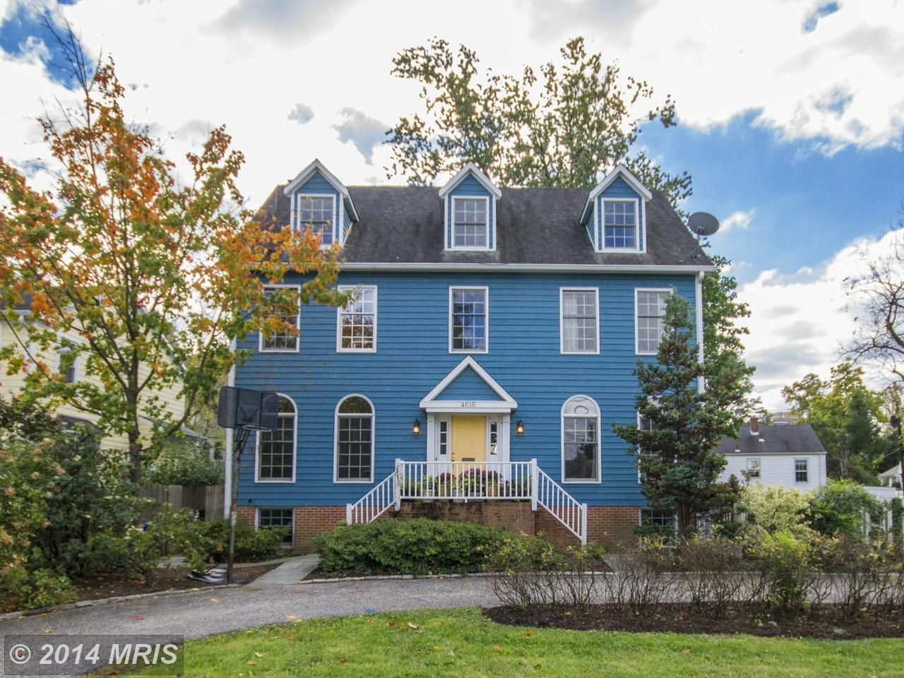 4616 Fairfield Drive Bethesda Md For Sale Trulia Com Old Houses Home 21 House Styles