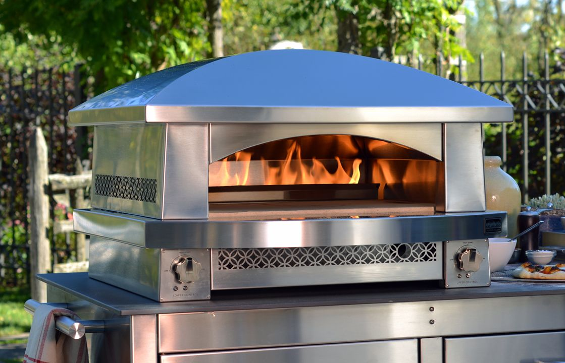 The Kalamazoo Outdoor Gourmet Fire Pizza Oven Can Bake A In As Little 3 Minutes Countertop Achieves Temperatures