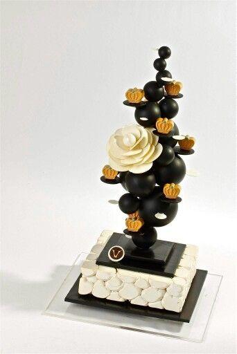 Chocolates Showpieces . Robin Hoedjes