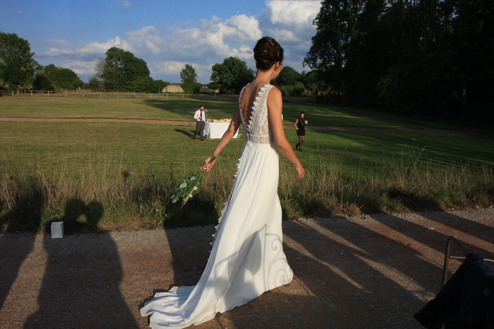 Notre jolie Alice dans son ensemble guipure et mousseline. #fashion ...