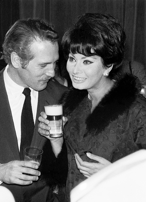 b47ce08d Paul Newman and Sophia Loren during a party on the set of the film