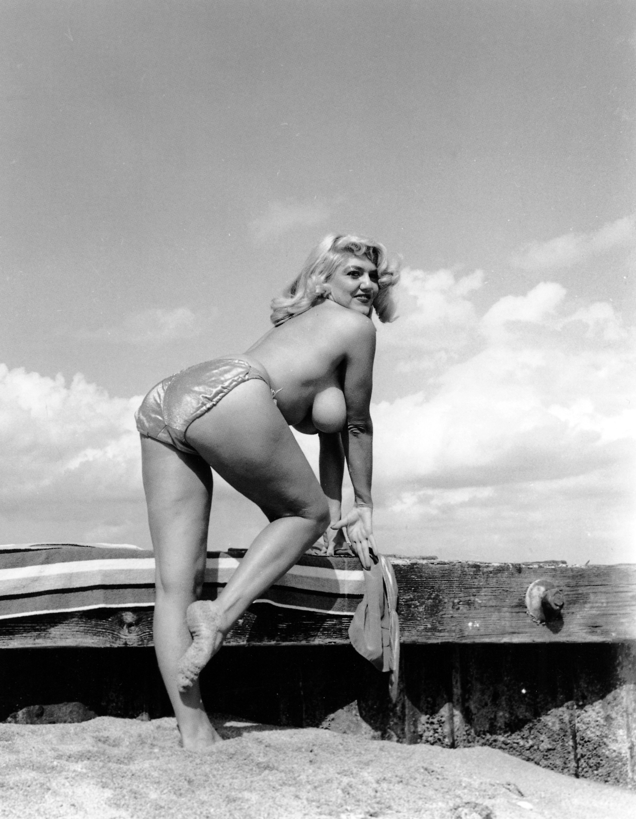 """roundedcurves: """"Photograph by Bunny Yeager """" 