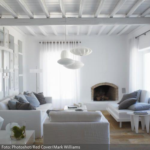 Tradition trifft Moderne: Dieses Wohnzimmer im Landhaus-Stil wird ...