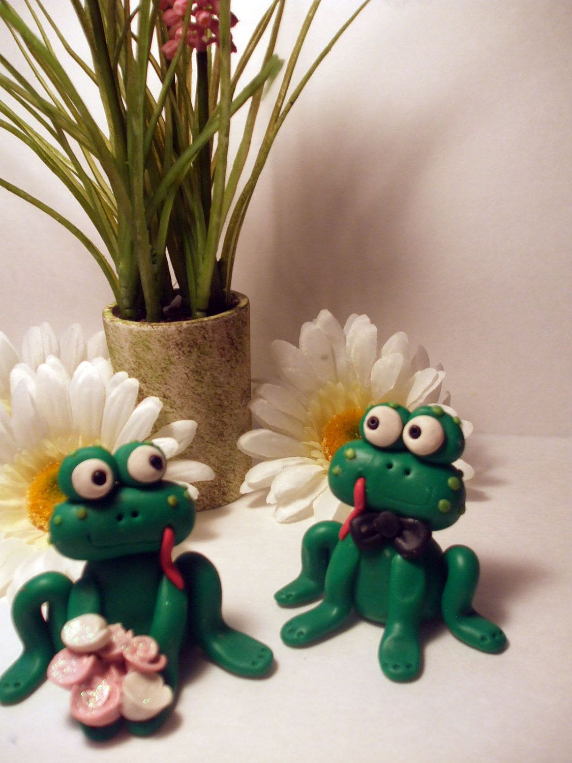 Frog cake topper!! | Frog cakes