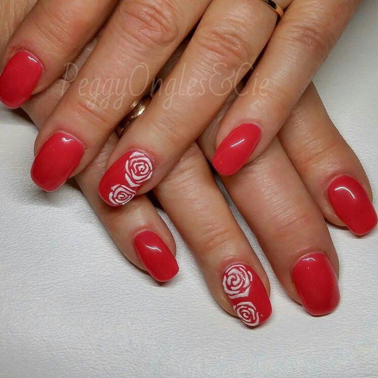 ongles gel uv nails uv gel rose pink avec fleurs peggy ongles cie pinterest ongles. Black Bedroom Furniture Sets. Home Design Ideas