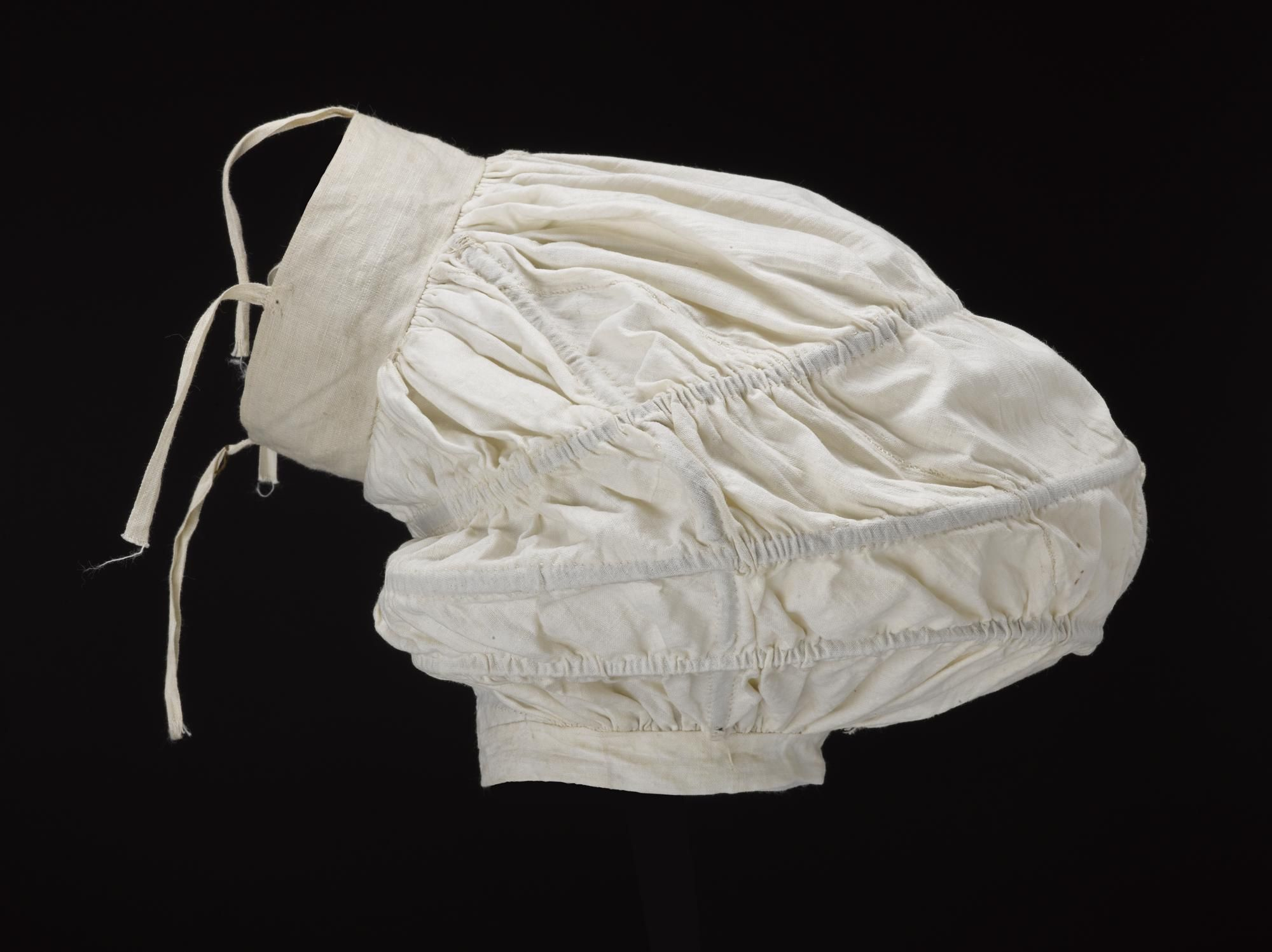 Sleeve support, ca. 1834; NMS A.1983.63 A-B