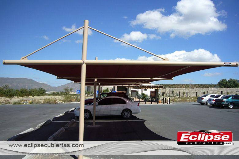 Toldo plano en mallasomra ideal para agencias for Toldos para estacionamiento