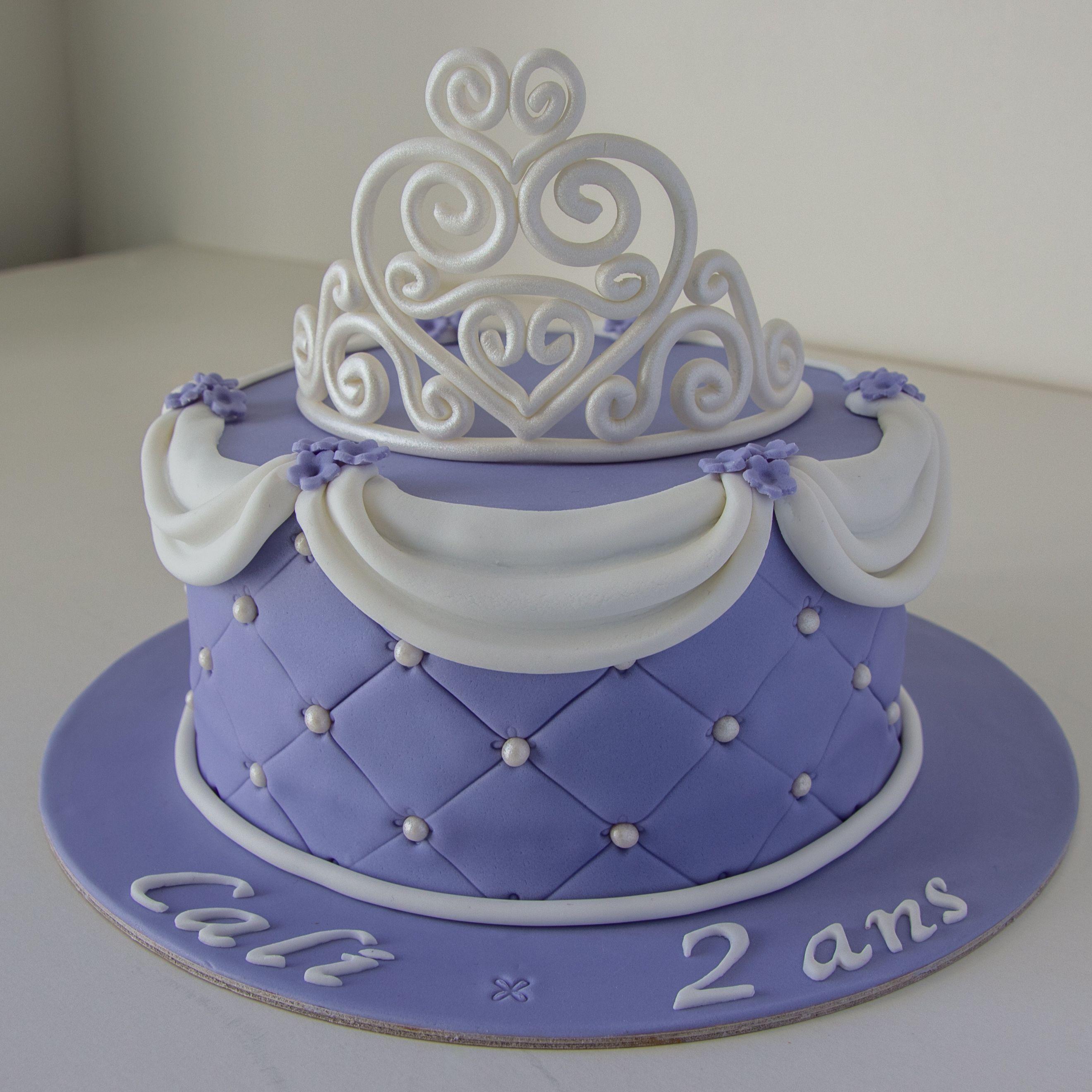 cake design g teau personnalis en p te sucre sur le th me princesse sofia avec diad me. Black Bedroom Furniture Sets. Home Design Ideas