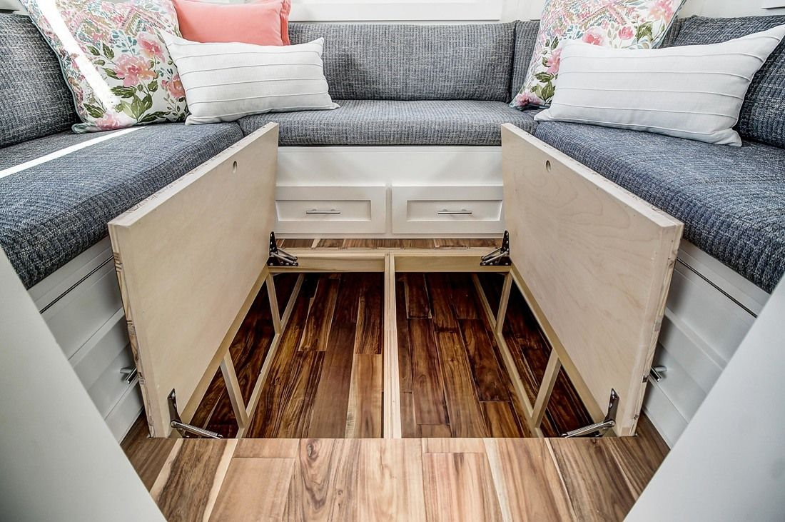 Kokosing: Nantucket-Esque Cottage on Wheels