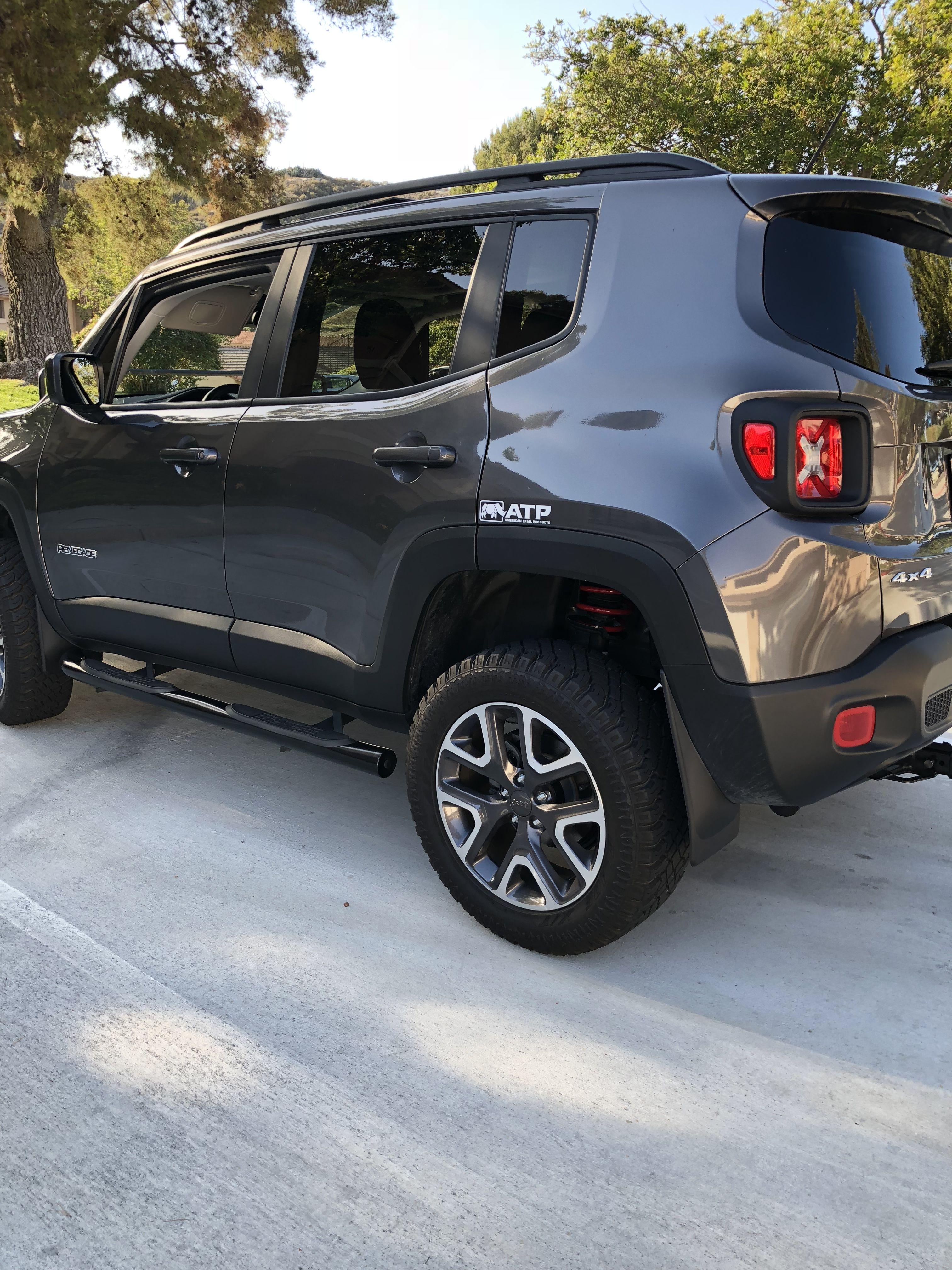 Pin By Nathan On Cars Jeep Renegade Jeep Renegade 2017 Jeep Renegade Trailhawk
