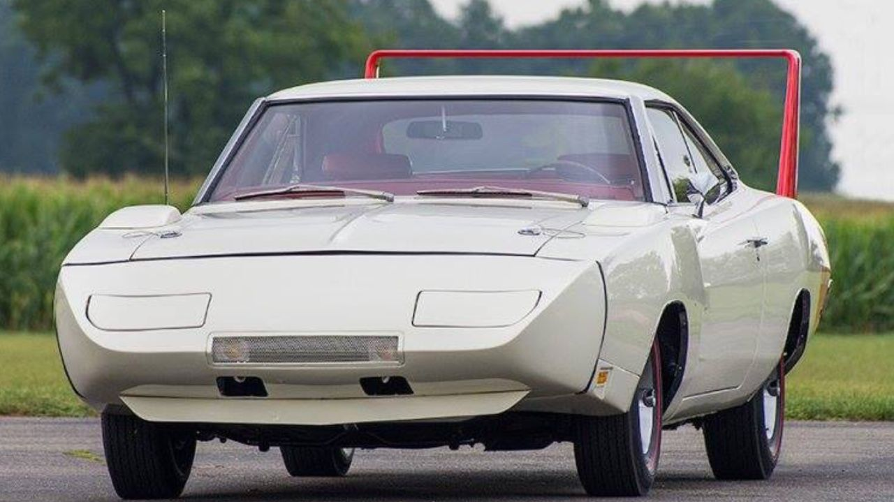 Dodge dodge charger with wing : 1969 Dodge Charger Daytona, white with a red wing. | Muscle Cars ...