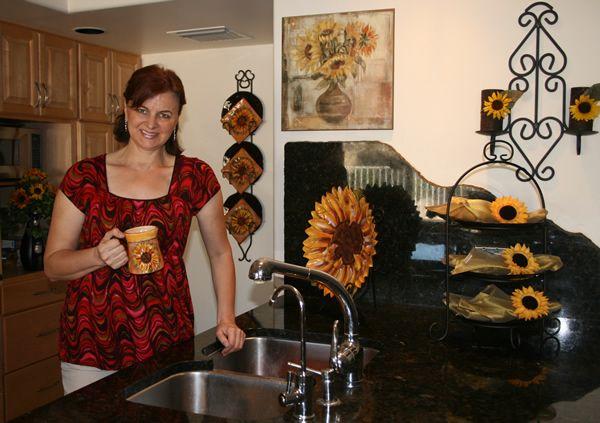 Changing with the season | Kitchen | Sunflower kitchen decor ...