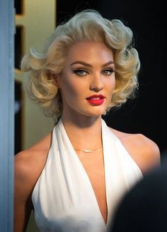 Candice Swanepoel Impersonates Marilyn Monroe In New Beauty Campaign Marilyn Monroe Hair Vintage Hairstyles Hair Styles