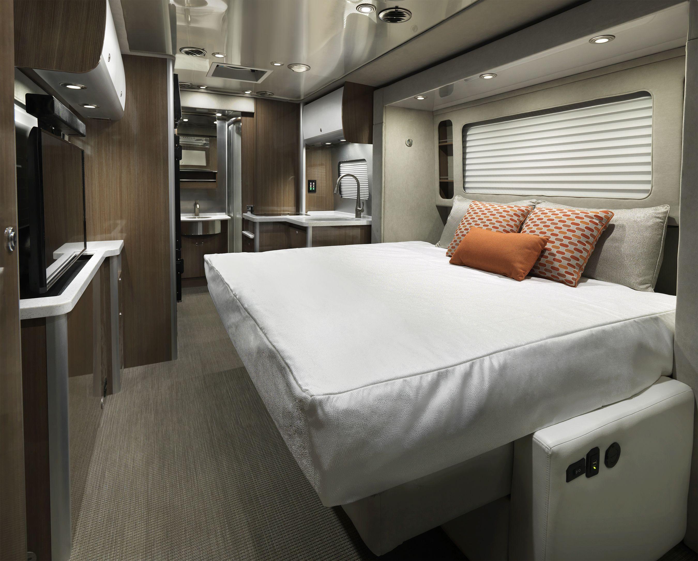 Airstream Atlas Motorhome Murphy Bed