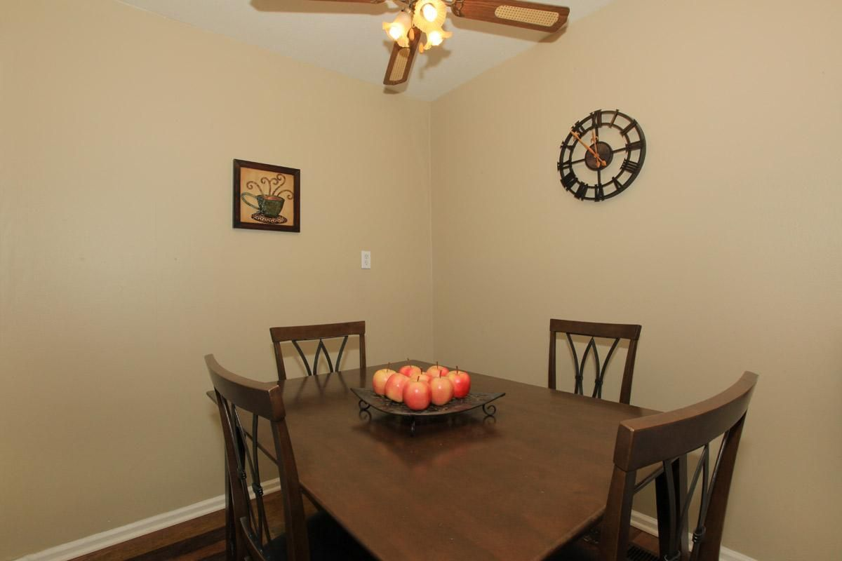 Mayfair Village Apartments Located In West Lafayette In Minutes From Purdue University West Lafayette Mini Blinds Bedroom Floor Plans