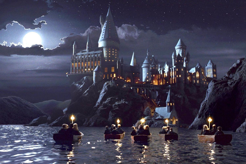 Pin Von Meghan Mck Auf Harry Potter Harry Potter Pc Harry Potter Schloss Harry Potter Bildschirmhintergrund