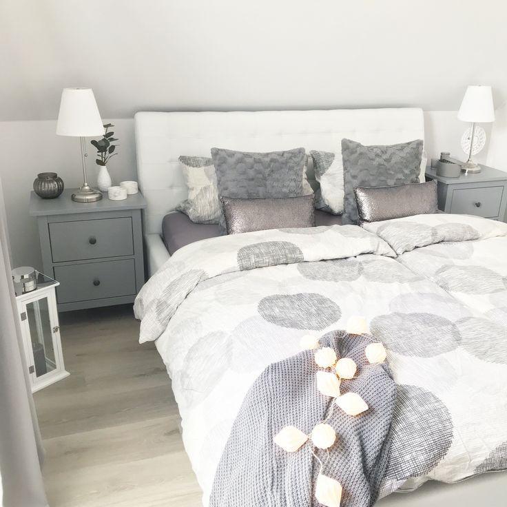 Instagram Wohn Emotion Landhaus Schlafzimmer Bedroom Modern Grau Weiss Grey White In 2020 Landhaus Schlafzimmer Zimmer Wohnen