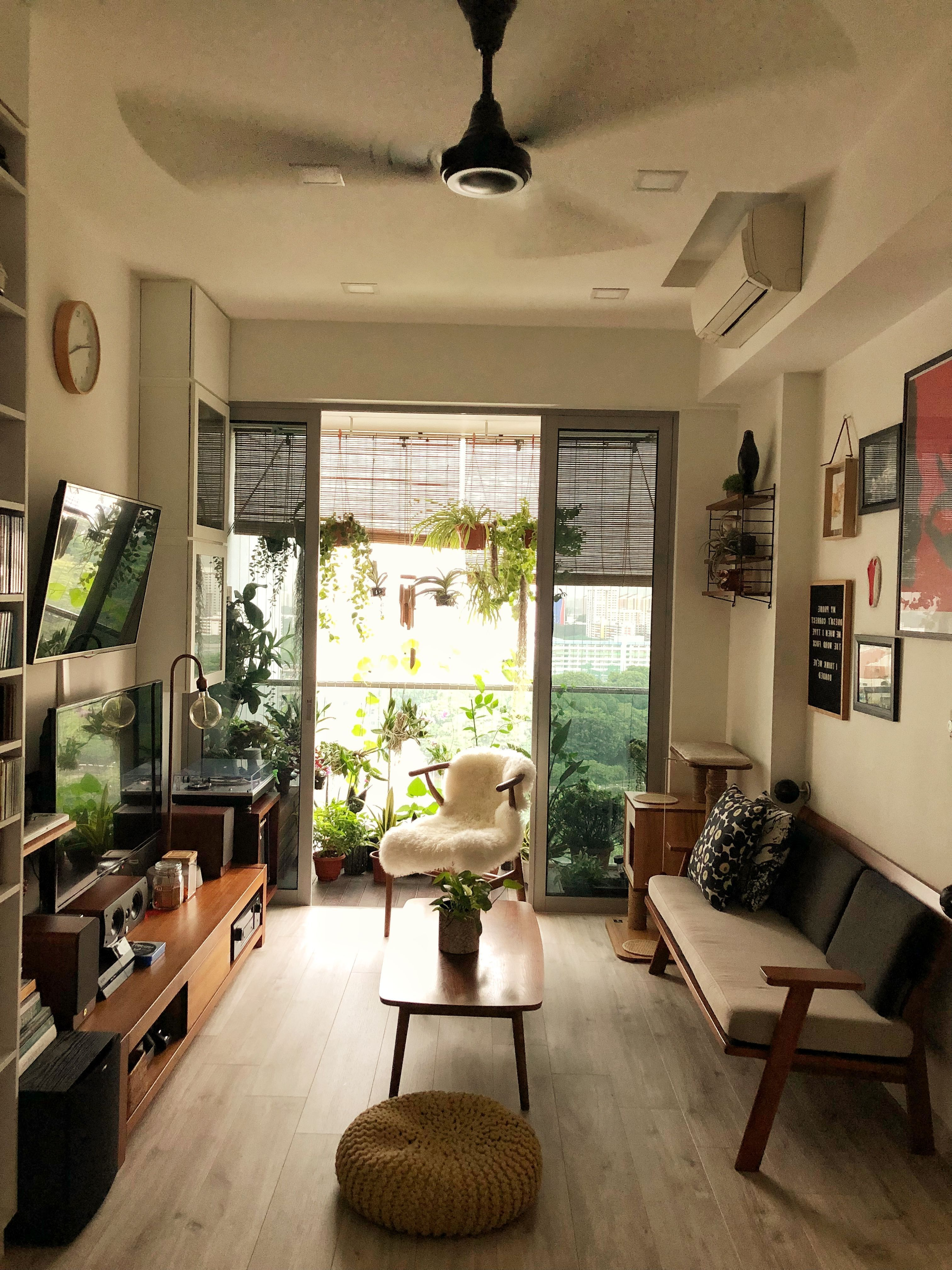 Living Room Japanese Decorating Ideas Living Room Japanesedecoratingideaslivingro In 2020 Small House Interior Small House Interior Design Japanese Living Rooms