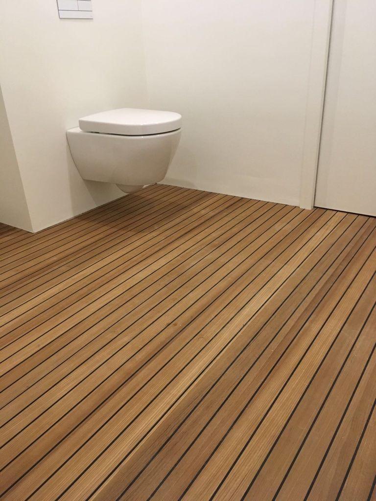 Teak gefineerde panelen, ook geschikt voor in de badkamer. Vakkundig ...