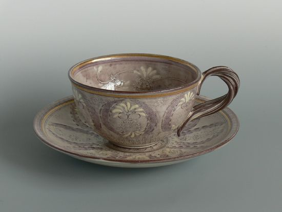 紫彩華紋 紅茶碗 (T39)  http://etouraku.blog113.fc2.com/blog-entry-106.html