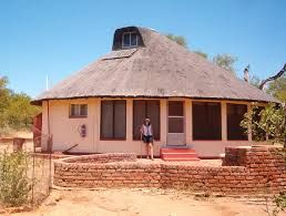 Rondavels Houses Google Search Small House Design Thatched House Tiny House Loft
