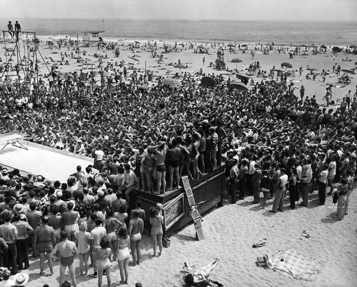 Acrobatics Competition Muscle Beach In 1951. Lapl