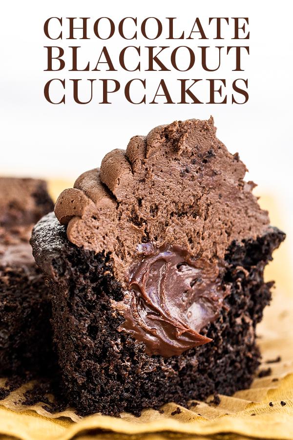Schokoladen-Blackout-Cupcakes