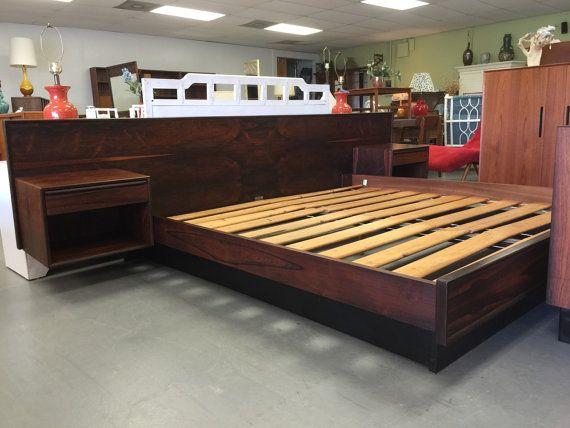 Best Danish Modern King Rosewood Platform Bed W Floating 400 x 300