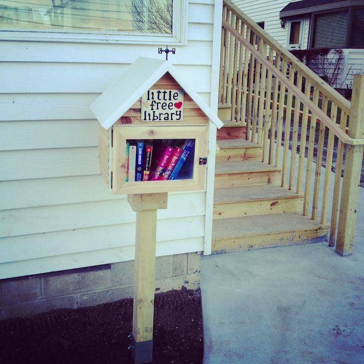How to Make a Free Little Library for the Neighborhood Free - free bol
