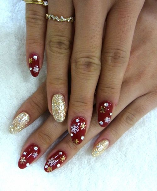 christmas nails for bridesmaids.