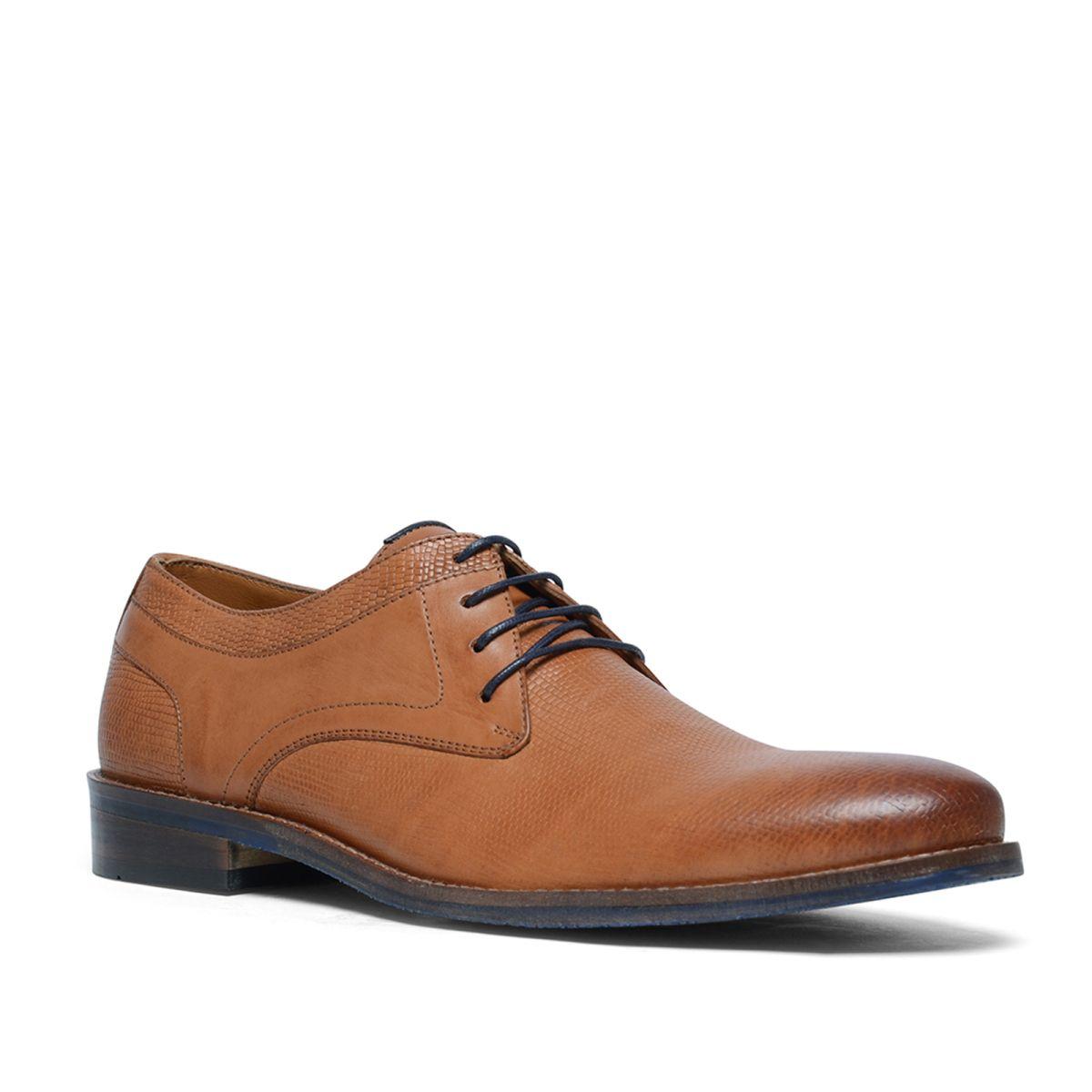 Cognac veterschoenen  Description: Cognac veterschoenen van het merk Manfield. De binnen- en buitenzijde zijn van leer. Bijzonder aan dit model is de subtiele reptielenprint over de gehele schoen. Combineer de schoenen met een net pak of draag de schoenen onder een casual outfit. De maat valt normaal.  Price: 45.00  Meer informatie  #manfield