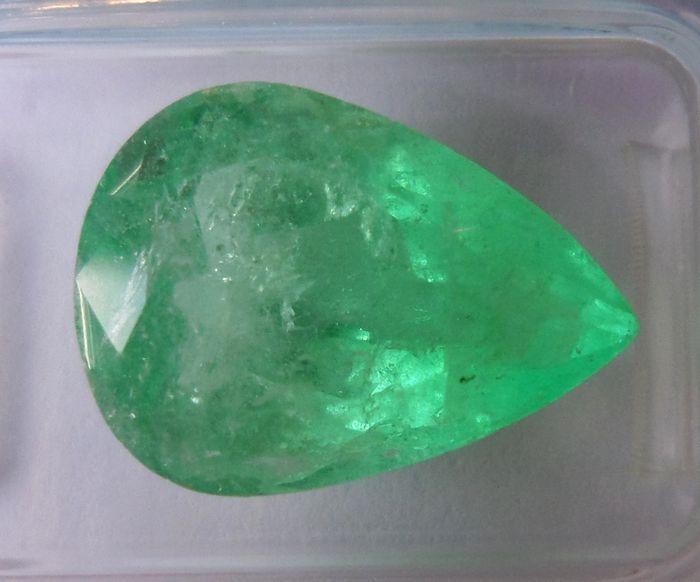 Smaragd - 5.74 ct - geen minimumverkoopprijs  Grote mooie kleur Emerald.Gewicht: 574 ctAfmeting: 14.86 x 1100 x 690 mmVorm: Pear fancy.Kleur: Matige geelachtig groen.Transparantie: transparant.Behandeling: verbeterd. Kloven zijn verbeterd vreemde stof aanwezig is in sommige breuken bereiken van het oppervlak.IGI nº R1D86693Verzenden via geregistreerd en verzekerd van de mail met het tracking-nummer.  EUR 328.00  Meer informatie