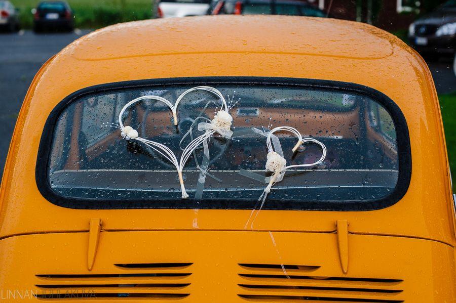 Hääauto, keltainen. Wedding car, yellow.