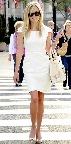 Reese Witherspoon always looks perfect.
