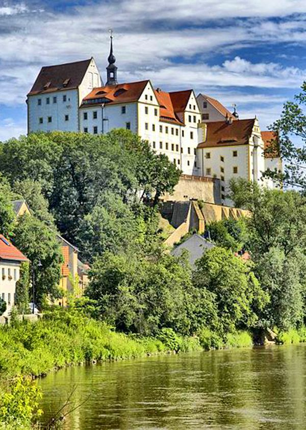 Cheap Hostels For Baby Boomers In Europe Click To Read Hostel Most Beautiful Cities Germany Castles
