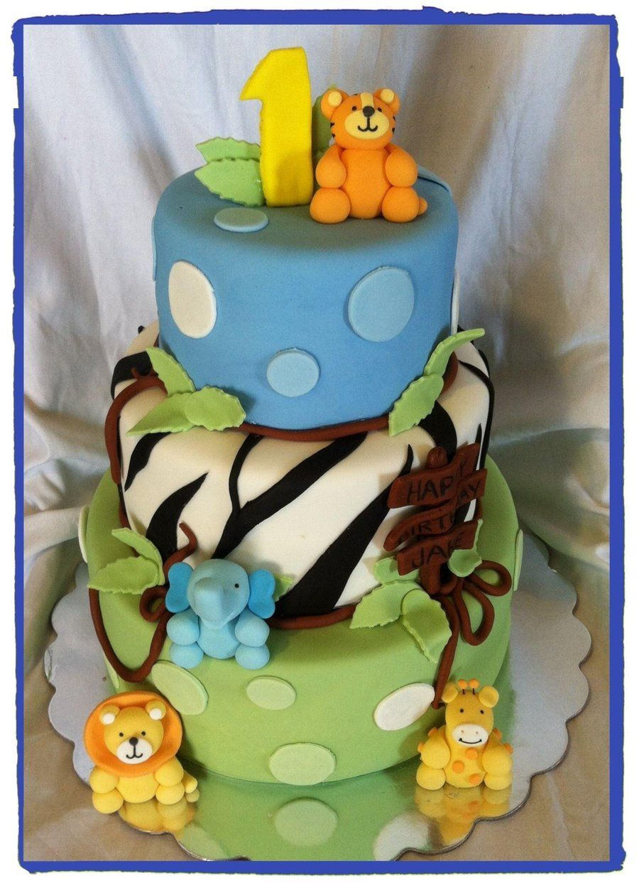 Jungle Baby Boy With Images Baby First Birthday Cake First