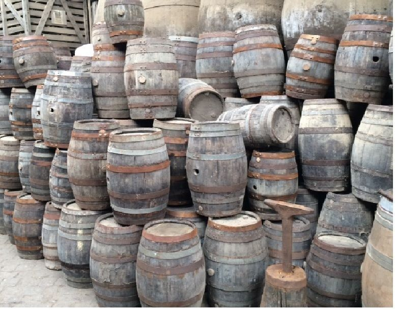 Details About Small Oak Acacia Barrel Wine Whiskey Keg Prop Filming