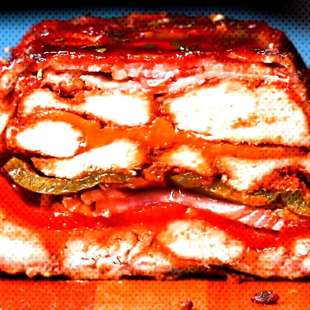 Dieser geschichtete BBQ-Hhnchen-Braten im Bacon-Mantel ist der feuchte Traum aller Fleisch-Liebhabe