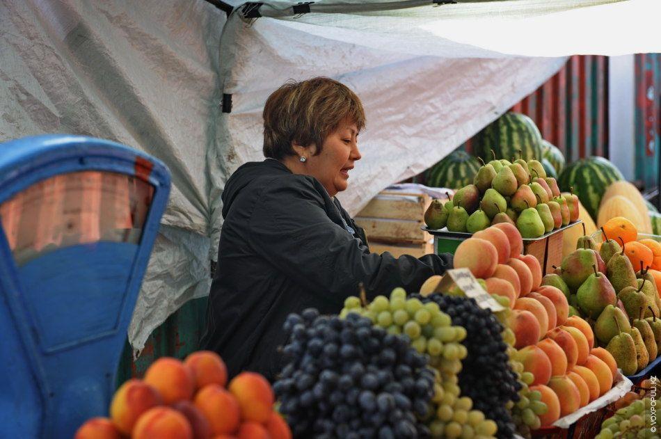 Morning fruit market, Kazakhstan Fruit salad with